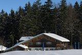 thumbnail - Verschneite Frasdorfer Hütte im Winter