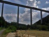 thumbnail - Unter der Schwarzbachtalbrücke hindurch