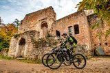 thumbnail - Biker vor Burg Nanstein