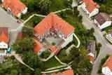 thumbnail - Das Gomaringer Schloss von oben