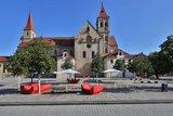 thumbnail - Basilika St. Vitus mit Marktplatz
