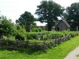 thumbnail - Der Vorgeschichtliche Garten im Geschichtsdorf Landersdorf