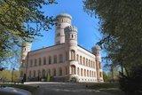 thumbnail - Das Jagdschloss Granitz thront auf dem Tempelberg zwischen Binz und Sellin