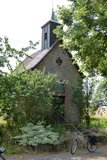 thumbnail - Kleine Kapelle am Straßenrand