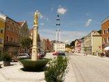 thumbnail - Marktplatz mit Marienbrunnen in Tann