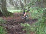 thumbnail - matschiger Trail im Wald
