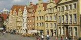 thumbnail - Eine markante Giebelhausreihe prägt den Marktplatz Osnabrück