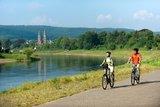 thumbnail - Radfahrer an der Weser bei Höxter