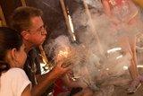 thumbnail - Feuer machen im Archäopark Vogelherd