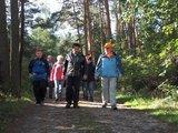 thumbnail - Wandergruppe auf dem Grenzsteinweg