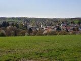 thumbnail - Schöner Blick auf den Braunfelser Stadtteil Altenkirchen mit dem markanten Kirchturm im Zentrum