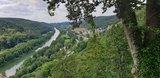 thumbnail - Blick von der Burg Schloss Prunn ins Altmühltal (mit der Rosenburg im Hintergrund)