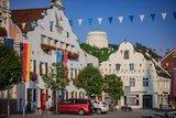 thumbnail - Die historische Altstadt von Kelheim mit Blick auf die Befreiungshalle König Ludwig I.