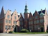 thumbnail - Das Rathaus in Aurich