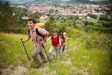 thumbnail - Wanderer mit Blick auf die Stadt Kahla
